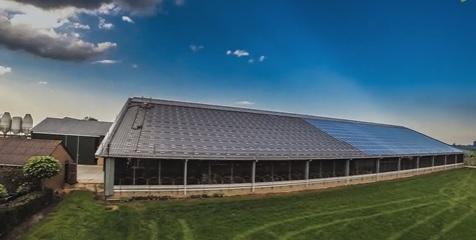 Aanleg zonnepanelen op Dak boerenbedrijf Kraak